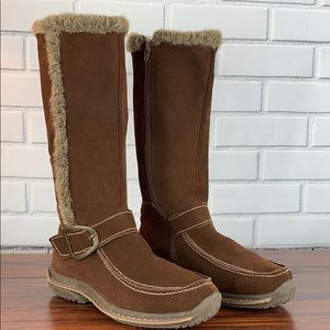 Lamo Brown Suede boots with fur trim Size 9